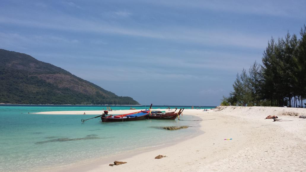 koh lipe beach mountain resort boat 2014